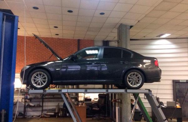 BMW 318 - Ремонт катализатора.