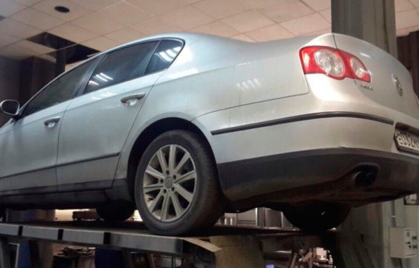 Volkswagen Passat B6 замена катализатора на пламегаситель. Установка обманки.