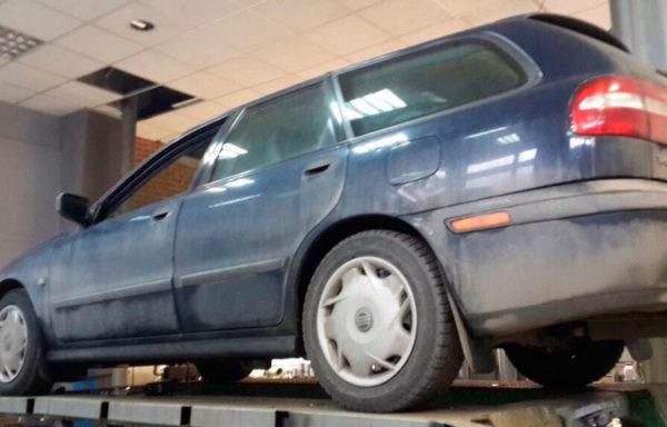 Volvo V40 - замена гофры глушителя