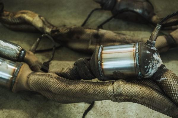 Установленные пламегасители в штаное место катализатора