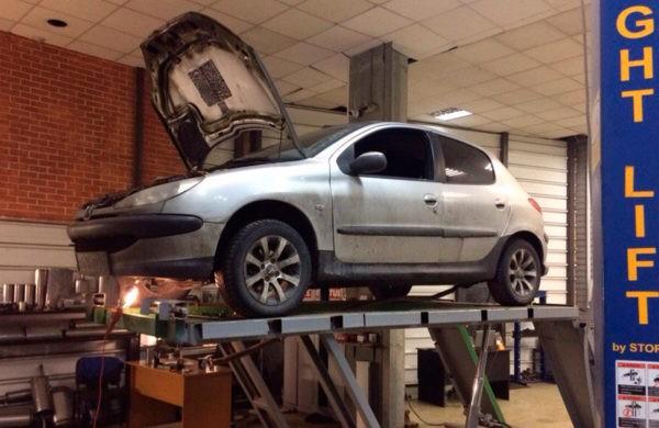Peugeot 207 - ремонт катализатора