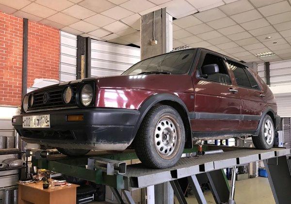 Volkswagen Golf 2 – замена резонатора