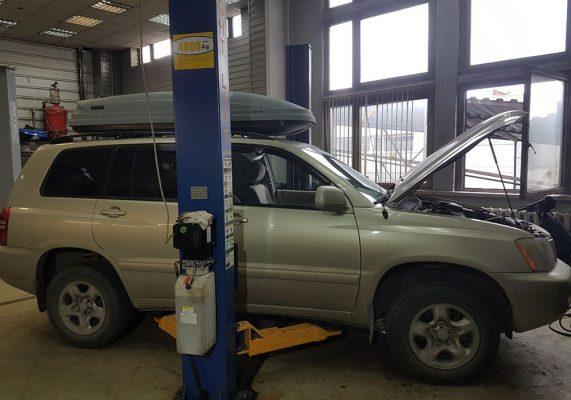 Toyota Highlander - замена катализаторов на пламегаситель