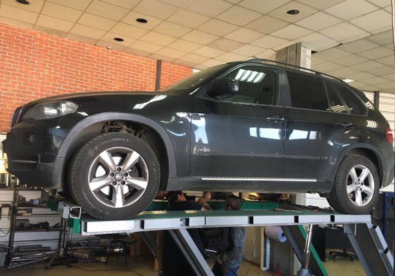 "BMW Х5 Е70 - установка прямоточных глушителей ""MG-RACE"""