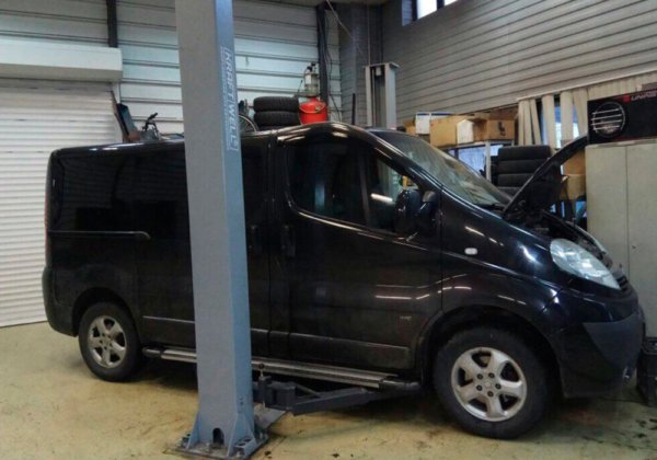 Opel Vivaro - замена коллектора